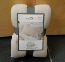 Threshold Tufted Crinkle Gauze Pewter Pillow Sham Standard New 20 X 26
