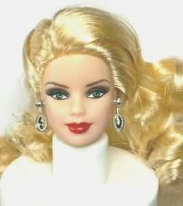 HEAD : 2012 HOLIDAY BARBIE DOLL : MACKIE : MUSE: CLOSED MOUTH : OOAK UNBOXED