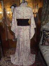 AUTHENTIC  VINTAGE JAPANESE  KIMONO SILK COVERED WITH FLOWERS, VERY PRETTY