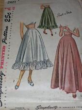 1940s - 50s SIMPLICITY #2421 - LADIES KNEE or FLOOR LENGTH PETTICOAT PATTERN W28
