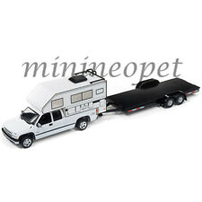 JOHNNY LIGHTNING JLCP7087 A 2002 CHEVY SILVERADO w/ CAMPER & TRAILER 1/64 WHITE