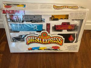 Bachman Diesel Express Santa Fe HO Scale Electric Train Set w Orig Box. READ