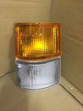 TOYOTA HIACE 1983 - 1987 FRONT INDICATOR & SIDE LIGHT LAMP LEFT PASSENGER SIDE