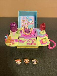 Littlest Pet Shop Teeniest Tiniest Mini Playset Bunny Rabbit W/ 3 Figures
