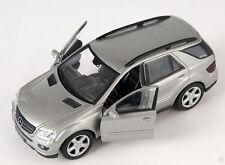 Livraison rapide Mercedes ML 350 argent/silver welly modèle auto 1:34-39 nouveau OVP