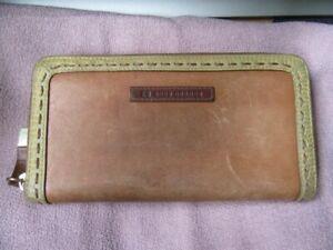 Hugo Boss Orange Dual tan / cream zip around wallet Unisex Vintage item. vgc