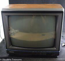 "Vintage 1980s Magnavox 13"" Color CRT Retro Tube TV -Tested- Wood Grain"