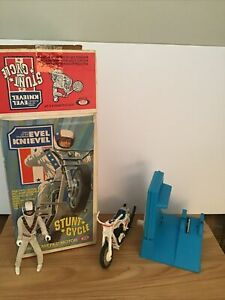 Vintage 1973 Evel Knievel Stunt Cycle Complete With Box