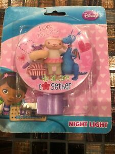 Disney Doc McStuffins Lambie Hallie Stuffy We All Care Together Night Light Lamp