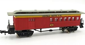 Bachmann N Scale Model Train OLD TIME COACH #8 CENTRAL PACIFIC RR Car