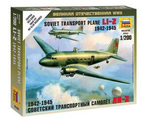 Zvezda Models 1/200 (Snap-Fit) Soviet Transport Plane Lisunov Li-2 1942-1945