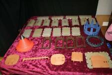 PLAYMOBIL LOT OF 30 CASTLE PARTS: ROOFTOPS, FLOORS, WALLS, LADDER, BATTLEMENTS