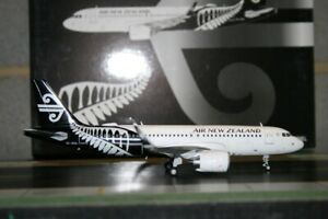 JC Wings 1:200 Air New Zealand Airbus A320neo ZK-NHA (XX2269) Model Plane