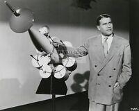 """WERNHER VON BRAUN IN """"MAN AND THE MOON"""" DISNEYLAND 8X10 PUBLICITY PHOTO (ZZ-160)"""