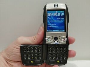 Sierra Wireless Voq - Unique Flip QWERTY Windows Smartphone Collectors Rare Box