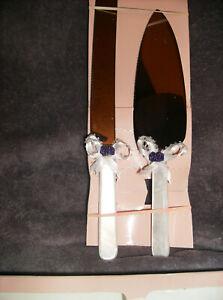 NEW 2 PC WEDDING WHITE MARBLE CAKE KNIFE & SERVER WITH WHITE RIBBON/PURPLE ROSES