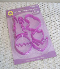 ☆Pkg of 4 Lg Easter Cookie Cutters☆Bunny, Chicken, Egg & Tulip☆Includes Recipe☆