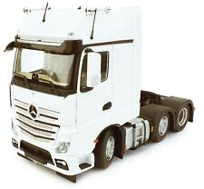 Marge Mercedes-Benz Actros Gigaspace 6X2 White 1:32 Scale 1912-01
