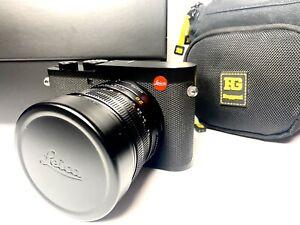 Leica Q2 Digital Camera - Black