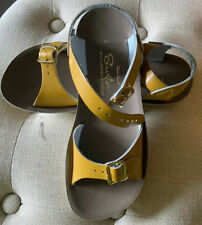 Girls Saltwater Mustard Leather Sun-San Surfer Water Friendly Sandals Size 2 NIB