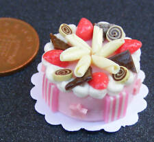1:12 Scale Cake With Strawberry Icing Dolls House Miniature Accessory NC57