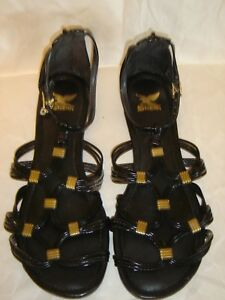 WOMEN'S SHIEKH SANDALS BLACK WITH TWO GOLD CHARMS ON SIDES SIZE 8  NEW W/O BOX