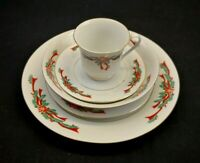 Tienshan Fine China Poinsettia and Ribbons 5 Piece Place Setting