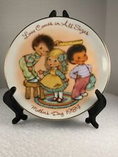 """Avon 1984 Mother's Day Plate """"Love Comes in All Sizes"""". Vintage Mini Plate."""