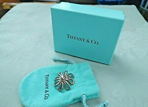 Tiffany & Co. - Sterling Silver - Paloma Picasso - Daisy Flower - Pin Brooch