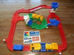 1998 Tomy Big Fun Big Loader Truck Construction Track Playset Complete and WORKS