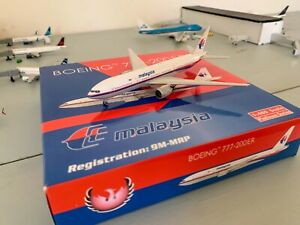 Phoenix Models Malaysia Airlines 777-200ER 1:400 Scale RARE Great Condition