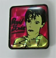 DAVID BOWIE VINTAGE PLASTIC PIN BADGE FROM THE 1980's MODERN LOVE