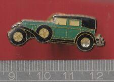 Car pin badge - Vintage Car