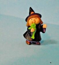 1995 Hallmark Halloween Merry Miniature Witch With Green Frog