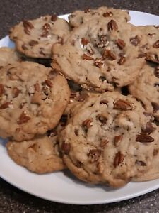 Grandma's Oldfashioned Chocolate Chip Cookies N nuts, 1 dozen large