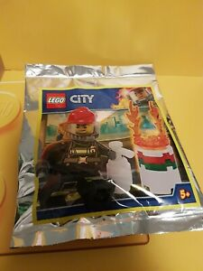 LEGO CITY: Fireman with Burning Barrel Polybag Set 951902 BNSIP new unopened
