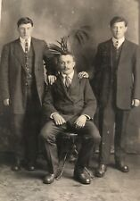 1913 Photo RPPC PC FATHER WITH TWO HANDSOME SONS SUITS