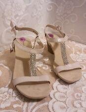 Bandolino Castina Ecru Open Toe Sandals Silver Glitter Accent Strip Size 8.5 NWT