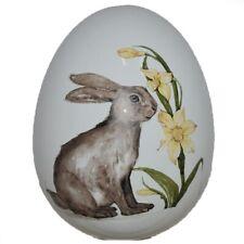 Uovo di pasqua bianco con decoro coniglio decorazioni pasquali arredo casa idea