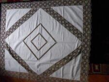 nappe ancienne en lin avec applique dentelle croche macramé  1,74 x 1,48 neuve