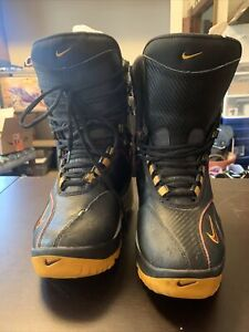 Size 10.5 Mens Nike Air Snowboarding Boots