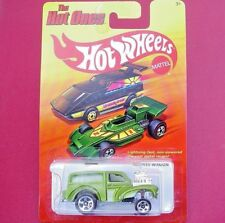METAL Hot Ones. GREEN Morris Wagon.  NEW in Blister Pack!