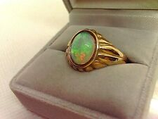 9ct Gold Opal Ring.