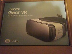 Samsung Gear VR SM-R322 Oculus Virtual Reality Headset - White - NEW