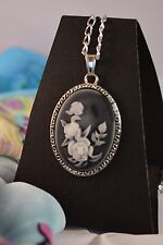 OFFER SAVE 50p./ LARGE GREY ROSE CAMEO NECKLACE   [26/1/25]