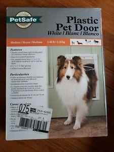 PetSafe Plastic Dog Pet Door - Med. New in box