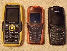 3 Vintage-Handys - 2 x Nokia 5140 - 1x Simvalley Outdoor-Solar-Handy XT-520Sun