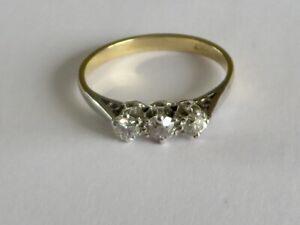 BEAUTIFUL VINTAGE DIAMOND TRILOGY RING IN 18K YELLOW GOLD