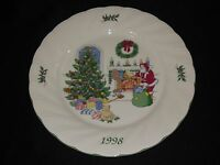 Nikko Happy Holidays 1998 Christmas Collector Plate Chestnuts Roasting Japan