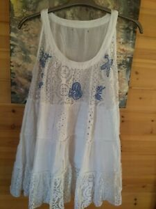Ladies Very Pretty Lacy White Summer top. Approximately size 16
